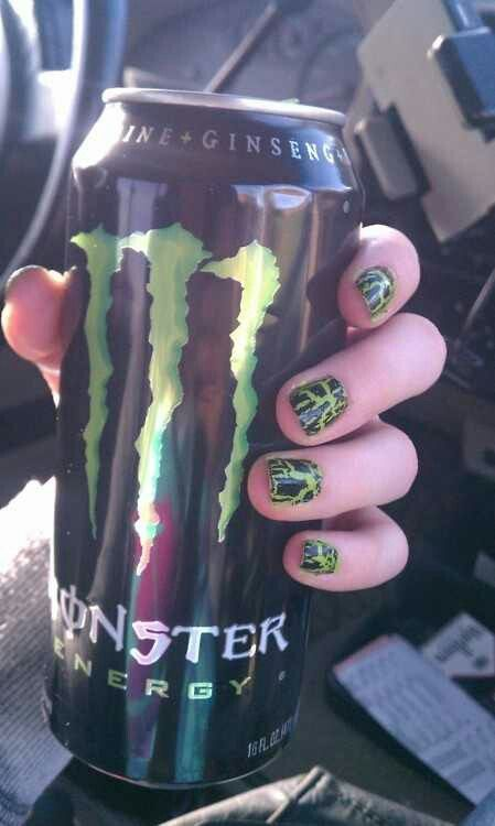 Monster crackle nails
