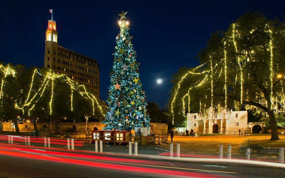 America S Favorite Cities For Christmas Lights 2016 Best Vacation Spots Favorite City Best Vacations