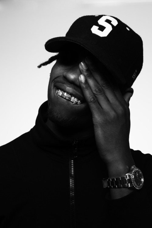 e1a0975f Travi$ Scott 04/27/2015- i like the designs in his teeth with the different  style