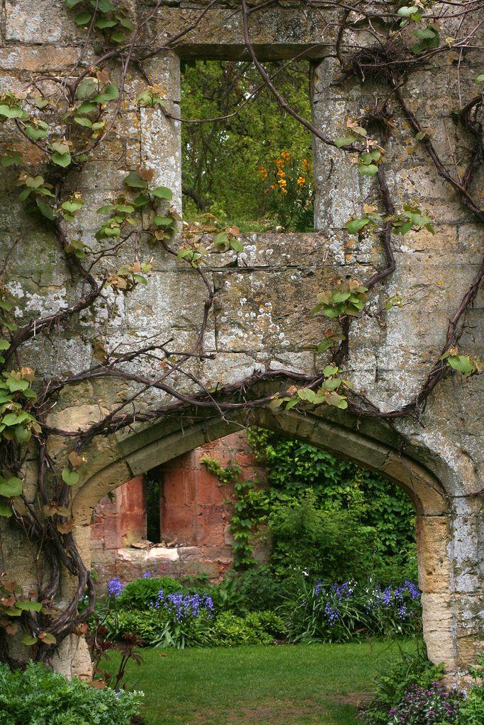 Sudeley Castle Gardens Castle Garden Beautiful Gardens Dream Garden
