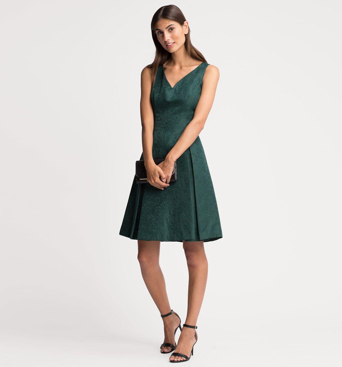 Kleid in dunkelgrün
