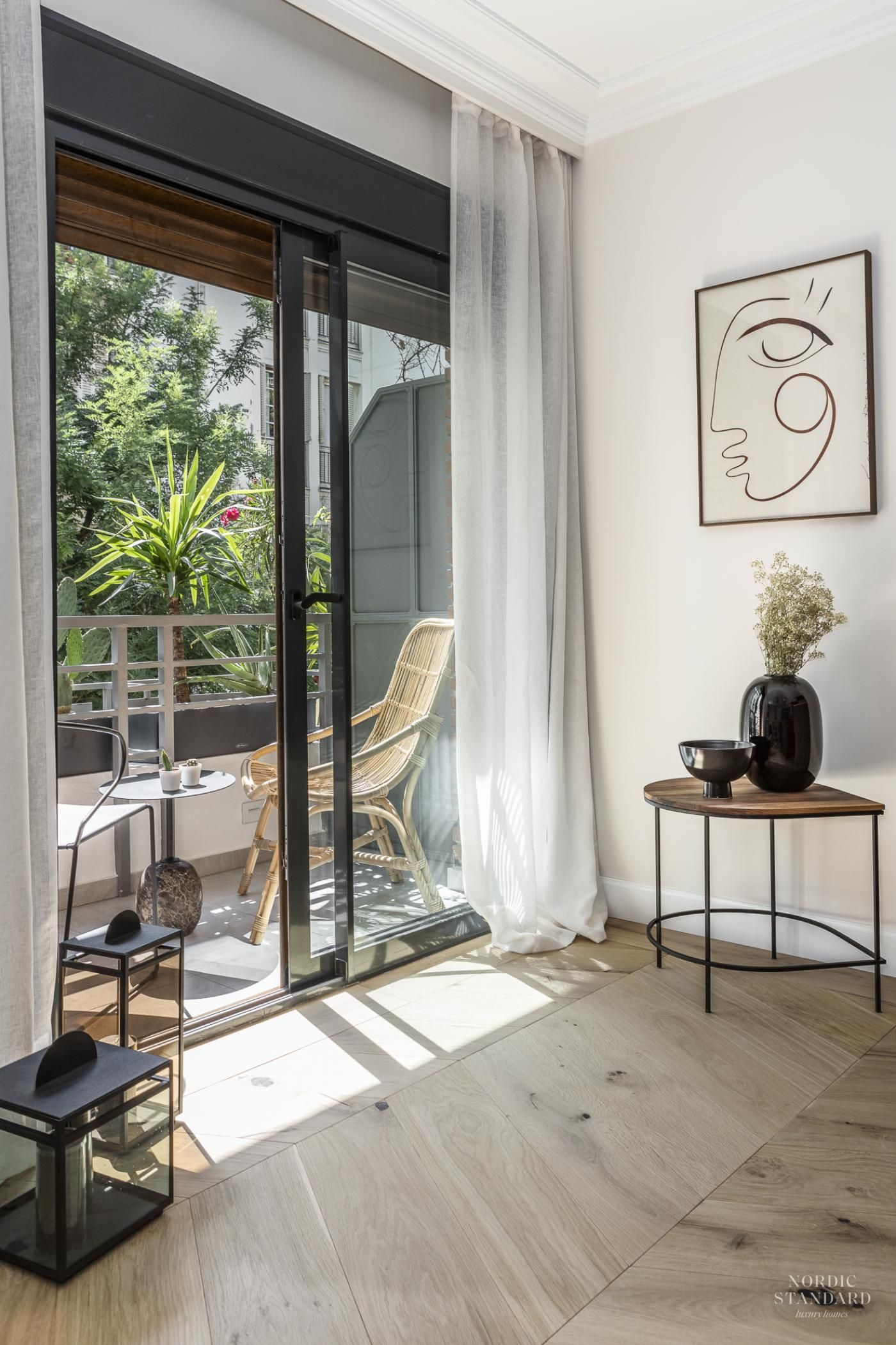 Un Appartement Design En Tons Naturels Planete Deco A Homes World Appartement Design Appartement Decoration Maison