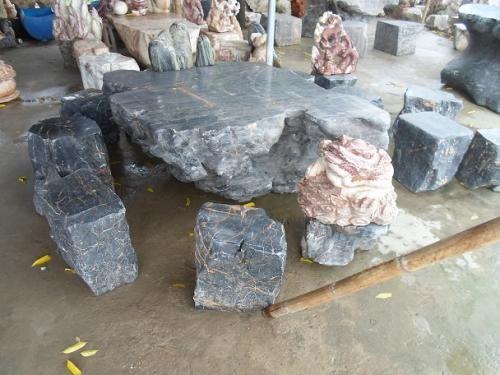 Bàn ghế đá tự nhiên,đá đen vân trắng