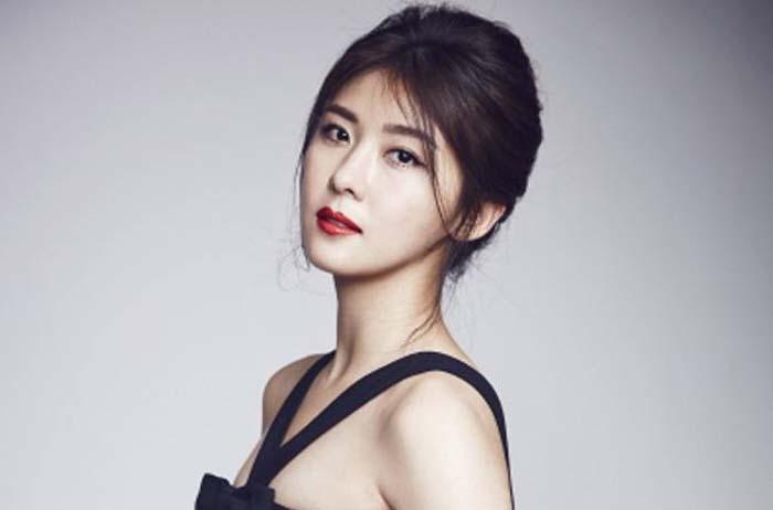 Top 10 Highest Paid Korean Actors Actresses Bestreviewy Com Ha Ji Won Korean Actors Actors Actresses