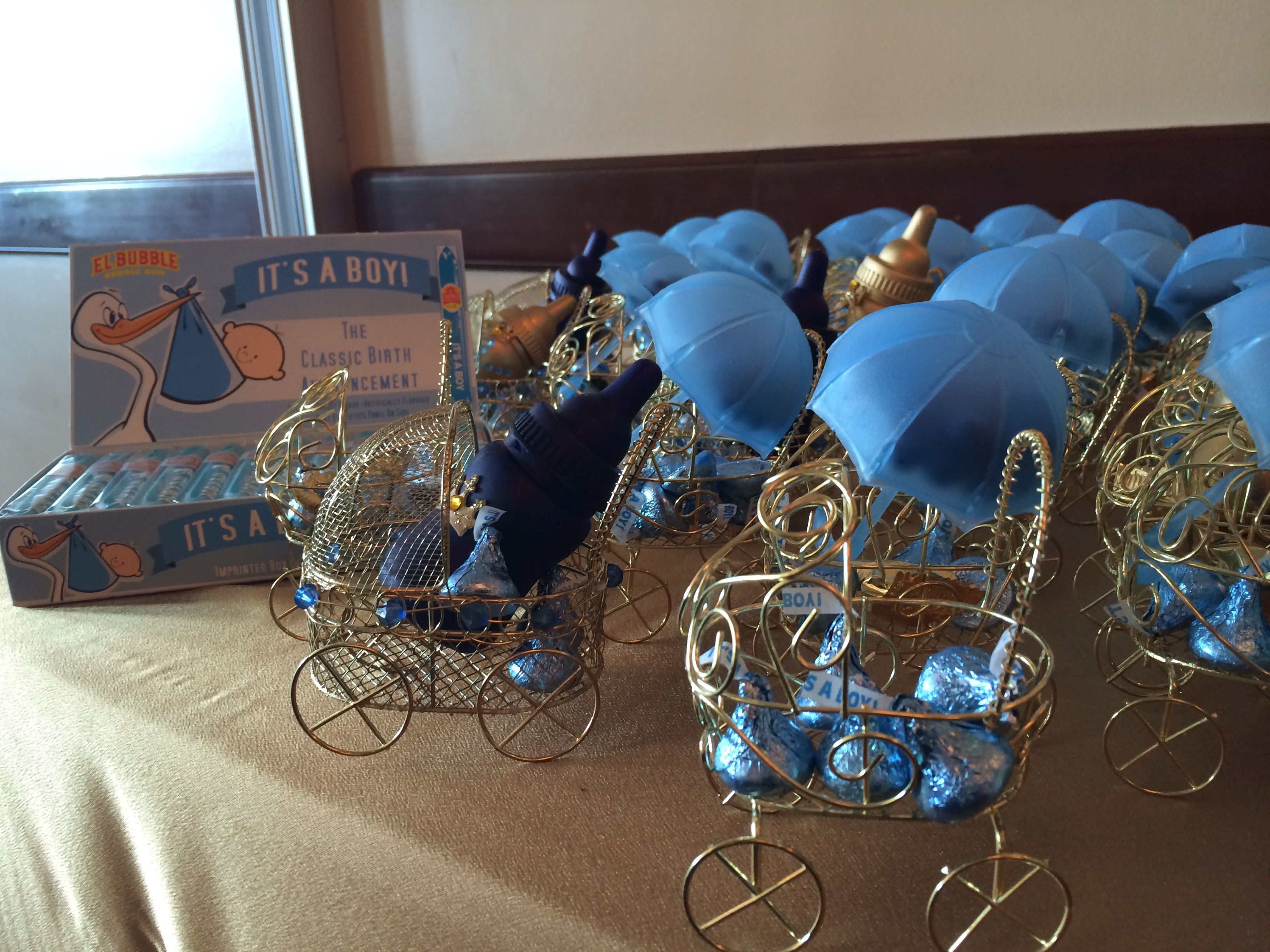 Royal prince gold wire carriage favors with candy filled