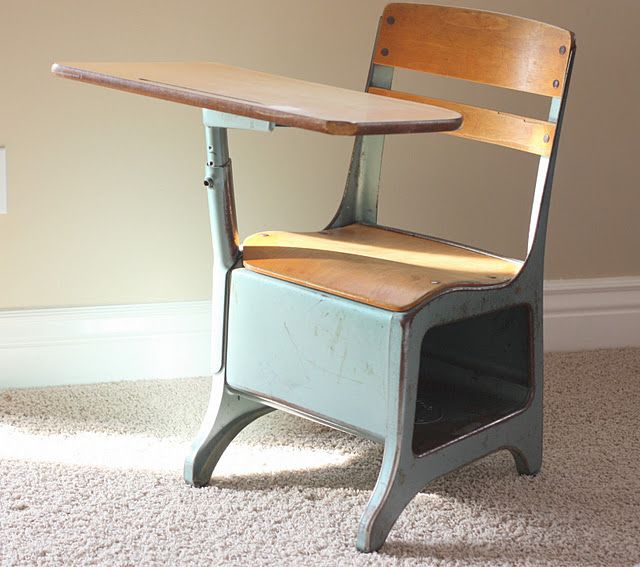 Vintage School Desk, I bought one today at a garage sale and it's white.  Should I paint it? I think yes. Maybe turquoise :) - Old School - More Vintage Fun LIttle Girl Pinterest Vintage