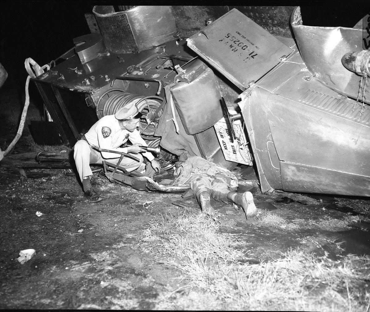 Jayne mansfield dead body gallery jayne mansfield for How old was jayne mansfield when she died