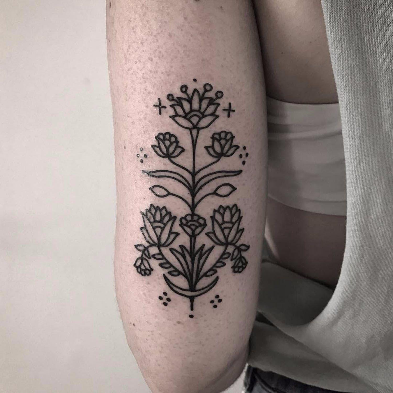 Ornamental Blossoms By Brunasoares Brunasoares Xapiripa Blackwork Linework Dotwork Minimal Minimalist Ornamental Tattoos Body Art Tattoos Cute Tattoos