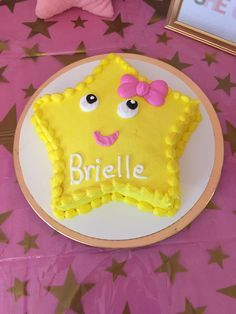 Brielle's twinkle twinkle little star first birthday smash cake!