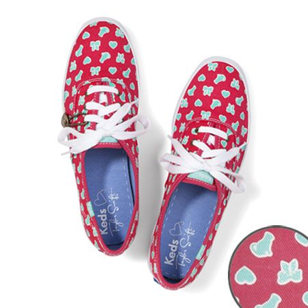 Taylor Swift keds vía catsparella http://www.catsparella.com/2013/04/taylor-swifts-keds-collection-includes.html?m=1
