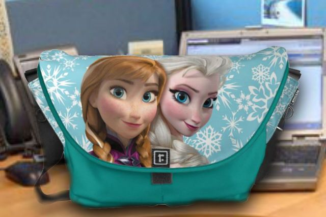 bb108d3975 Anna and Elsa