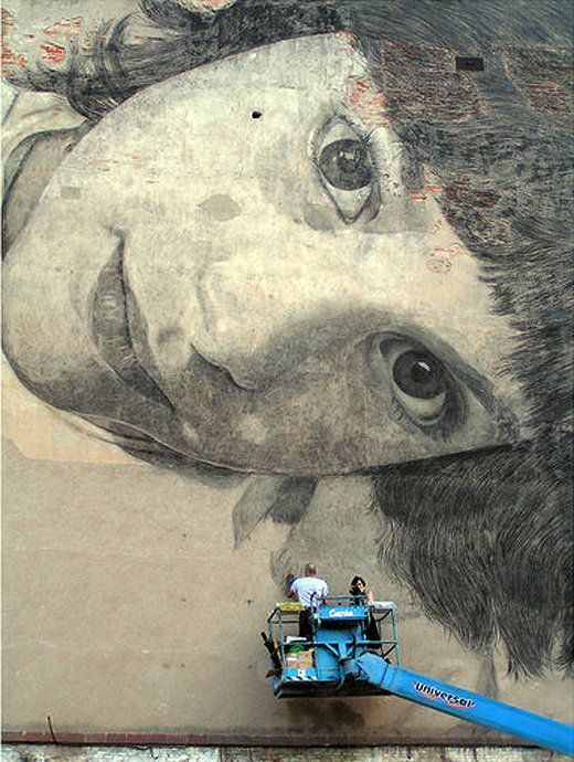 A Face in the Wall – Murals by Jorge Rodríguez-Gerada
