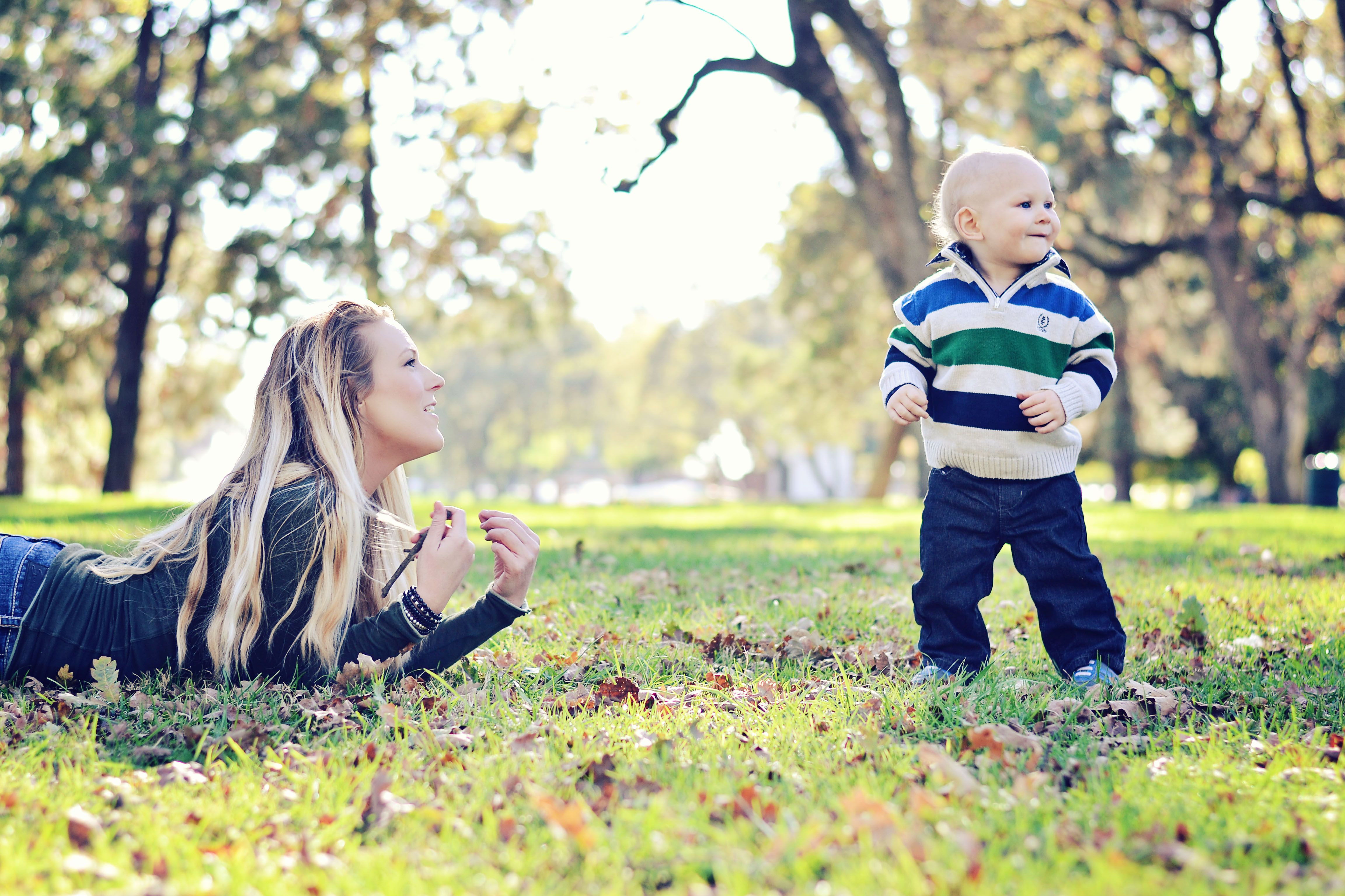 mom mother son boy baby infant child 1st first birthday candid