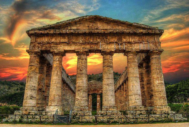 Una vacanza in Sicilia al  Tempio di Segesta è un'esperienza che cambia il modo di guardare alla storia. Isola meravigliosa che coniuga in modo unico svago estivo e interesse storico-artistico.