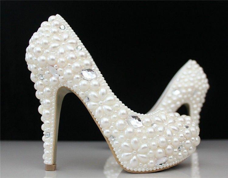 23d7a143f Personalizado feito elegante mulheres de salto alto plataforma de pérola e  strass sapatos de noiva dama de honra vestido de festa em Bombas das  mulheres de ...