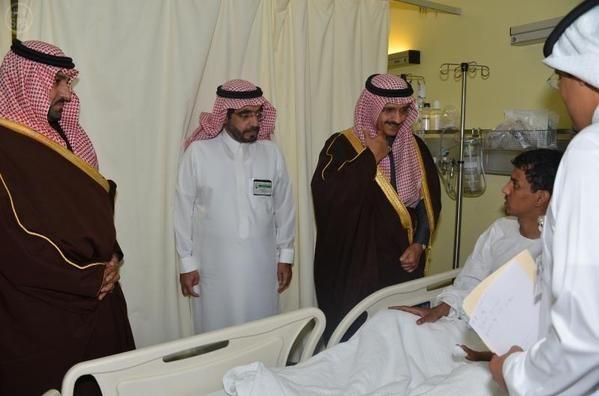 أمير الرياض ونائبه يزوران رجال الأمن المصابين بالأفلاج شبكة سما الزلفي Fashion Dresses Academic Dress