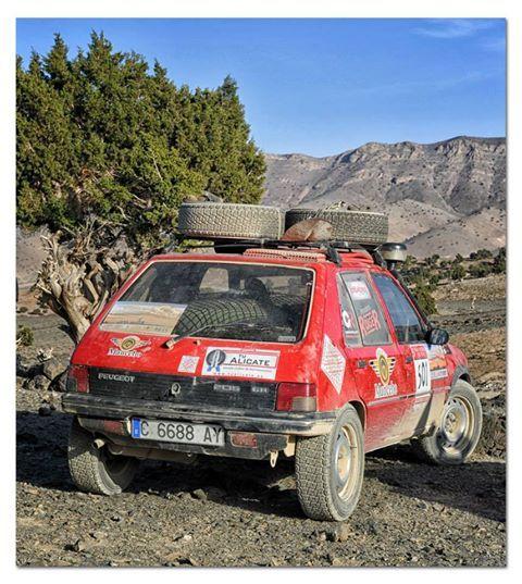 """Fotos equipo de Kiko Rojo en el """"Rally Clásicos del Atlas"""", patrocinado por www.tualicate.es"""