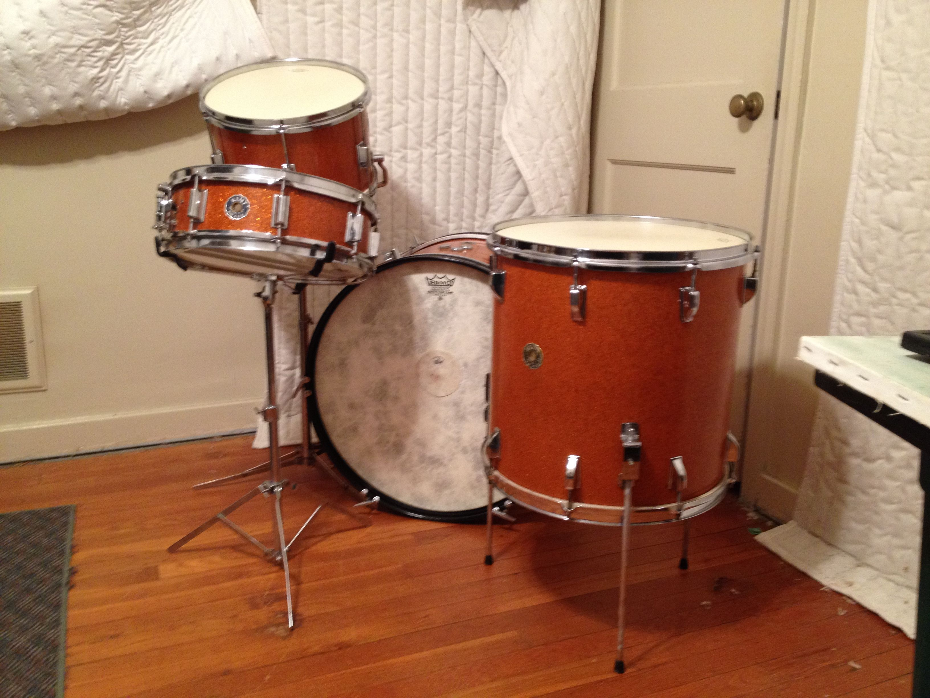 13 16 22 Orange Sparkle 4x14 Max Roach Size Snare Fiberskyn Powerstroke 3 Batter And Reso Bass Heads And Aquarian Modern Vinta Vintage Drums Bass Head Drums