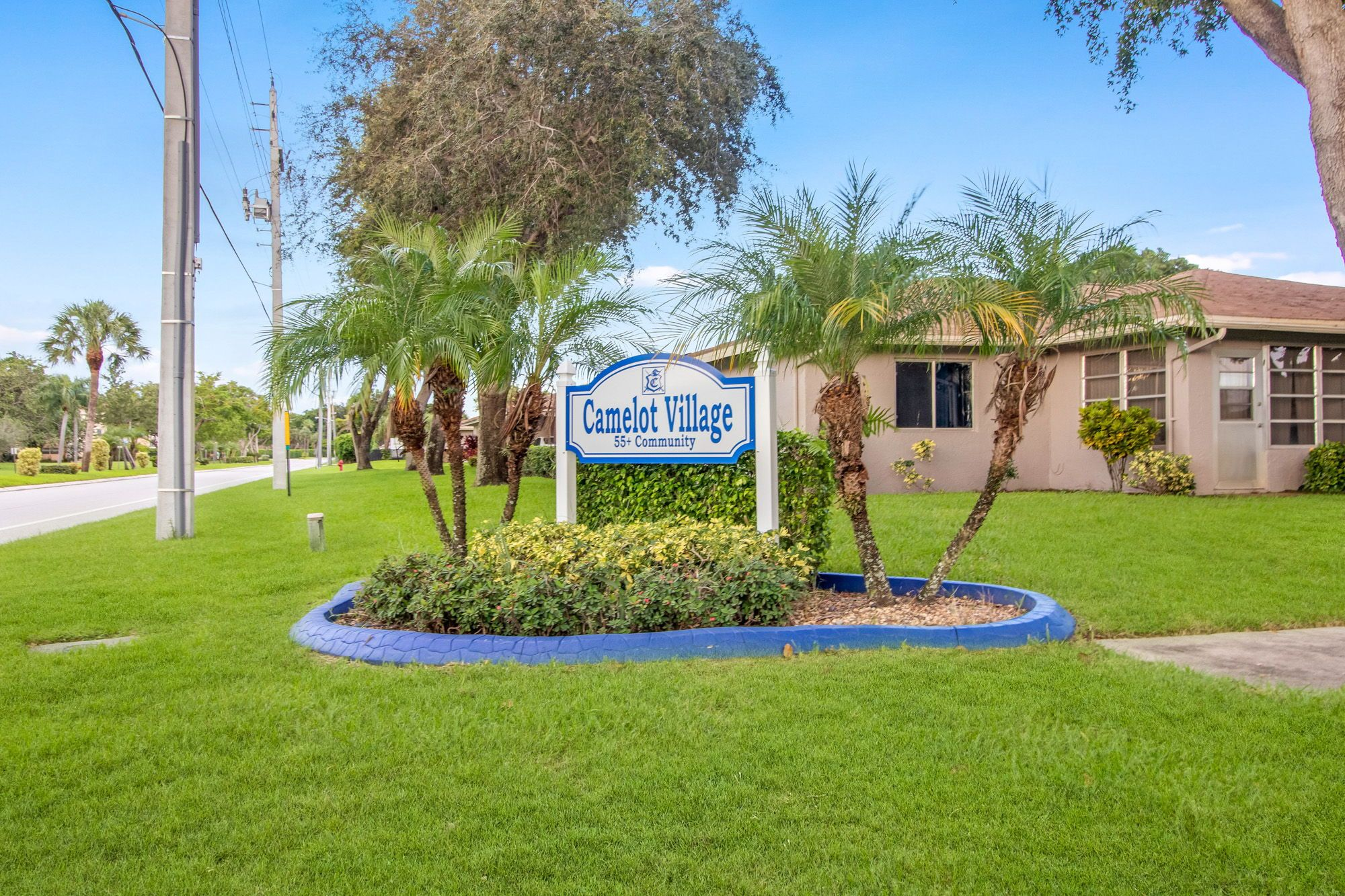Camelot Village is a quiet community in Delray Beach with a nice clubhouse  and pool plus entertainment during season. #fl… | Delray beach, Delray,  Palm beach county