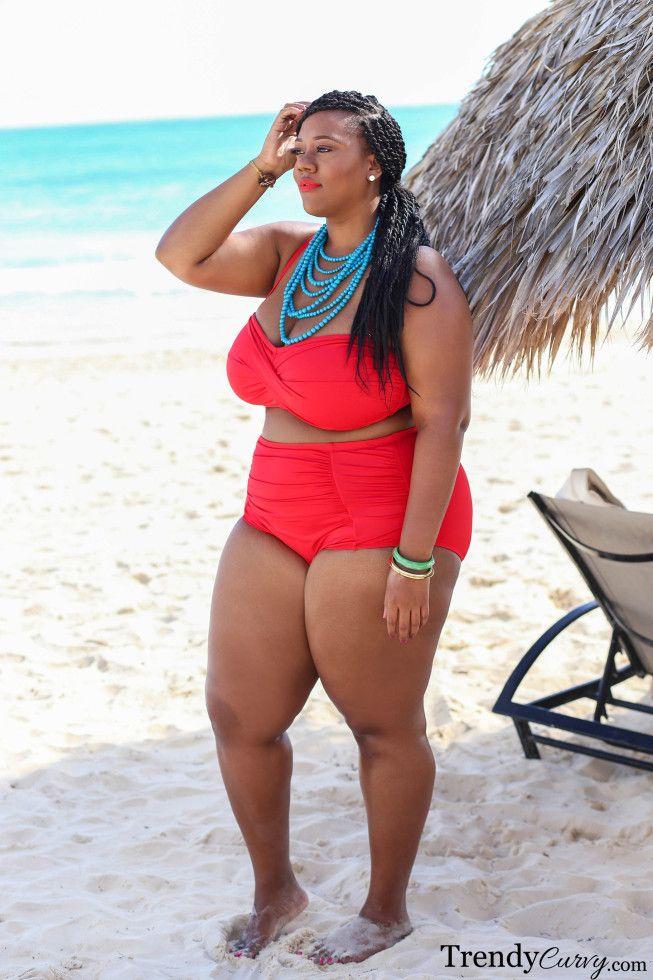 plus size swimwear lookbook - trendy curvy | curvy girls