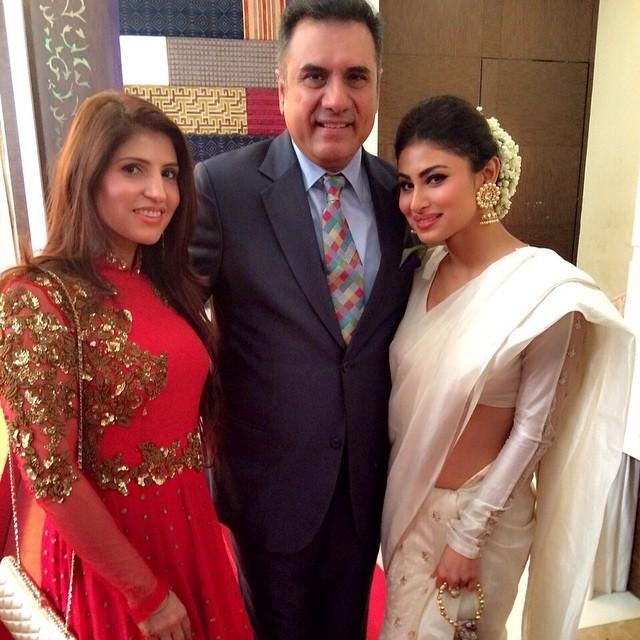 Mouni Roy Sriti Jha Boman Irani At Utkarsh Naithani S Wedding Reception View