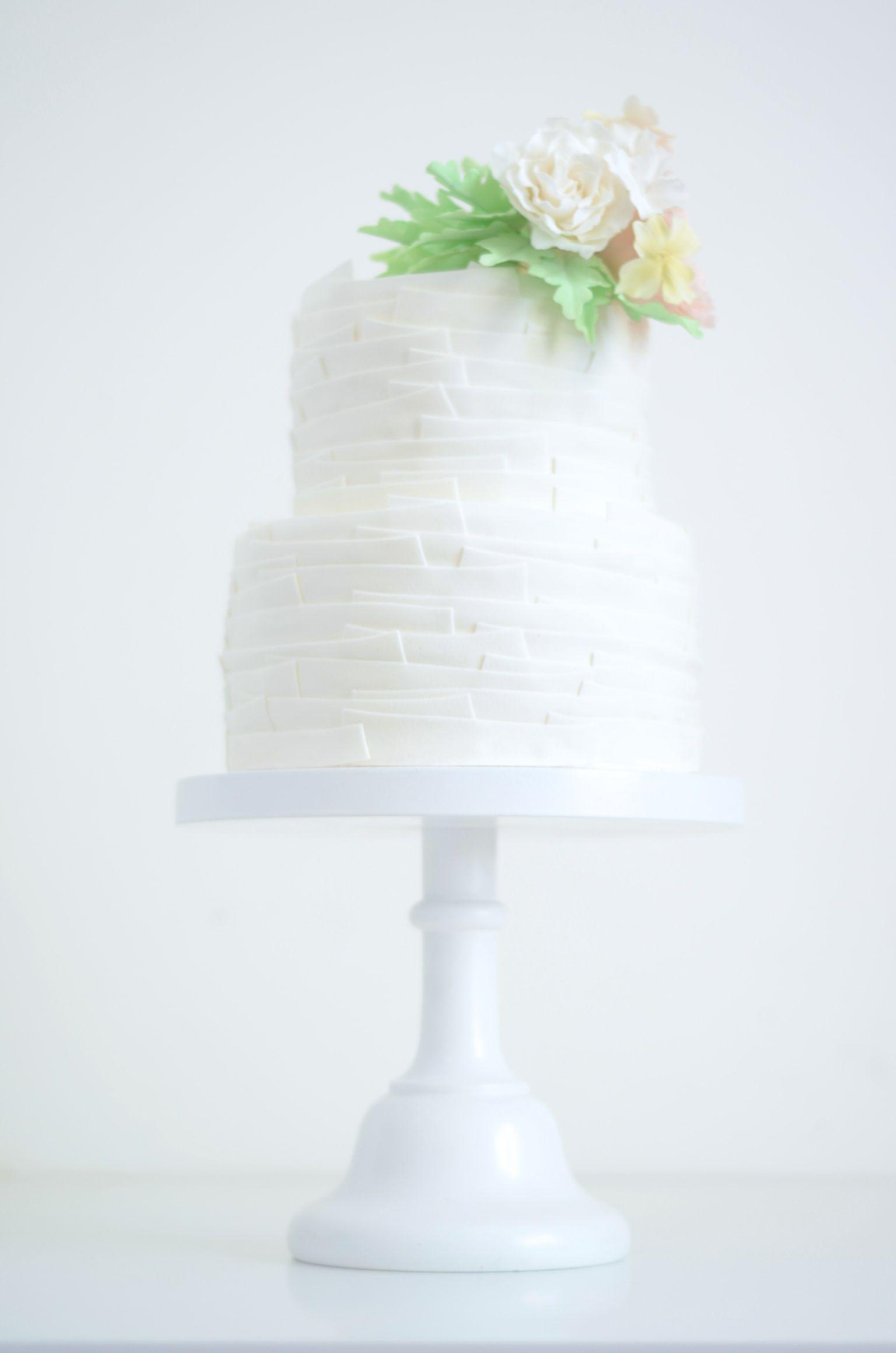Wedding cake by T Bakes. www.tbakes.com | Wedding | Casamento ...