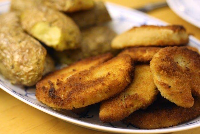 Es wird mal wieder Zeit für ein Rezept oder? Wie wäre es denn mit Sellerieschnitzeln mit Ofenkartoffeln und Pilzsoße? Oder man könnte es ...