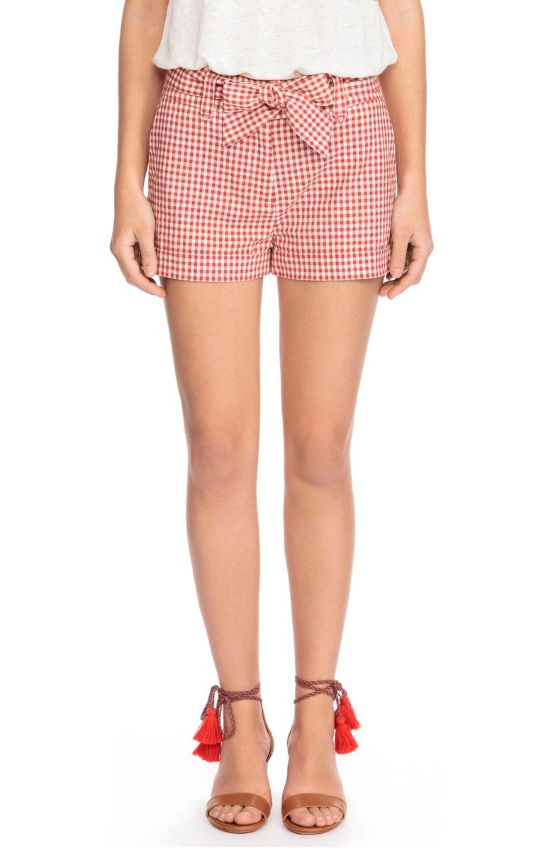Gingham shorts, Warm weather outfits