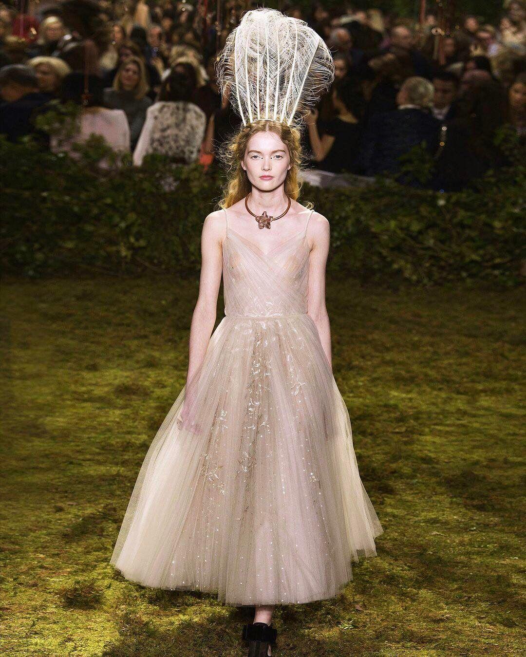 Felicity Jones wore this @Dior gown from Maria Grazia Chiuri\'s debut ...