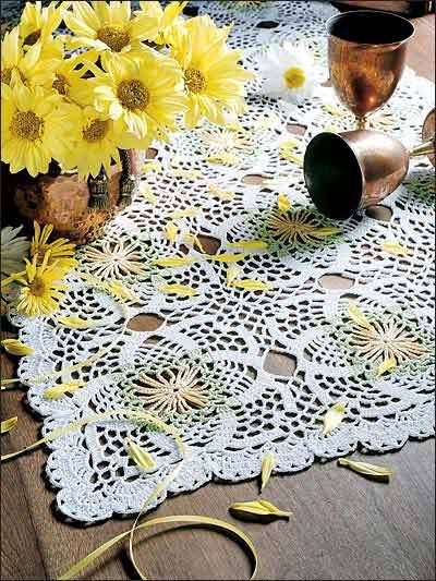 crocheted table runner, this is so cute. dowload free pattern ...