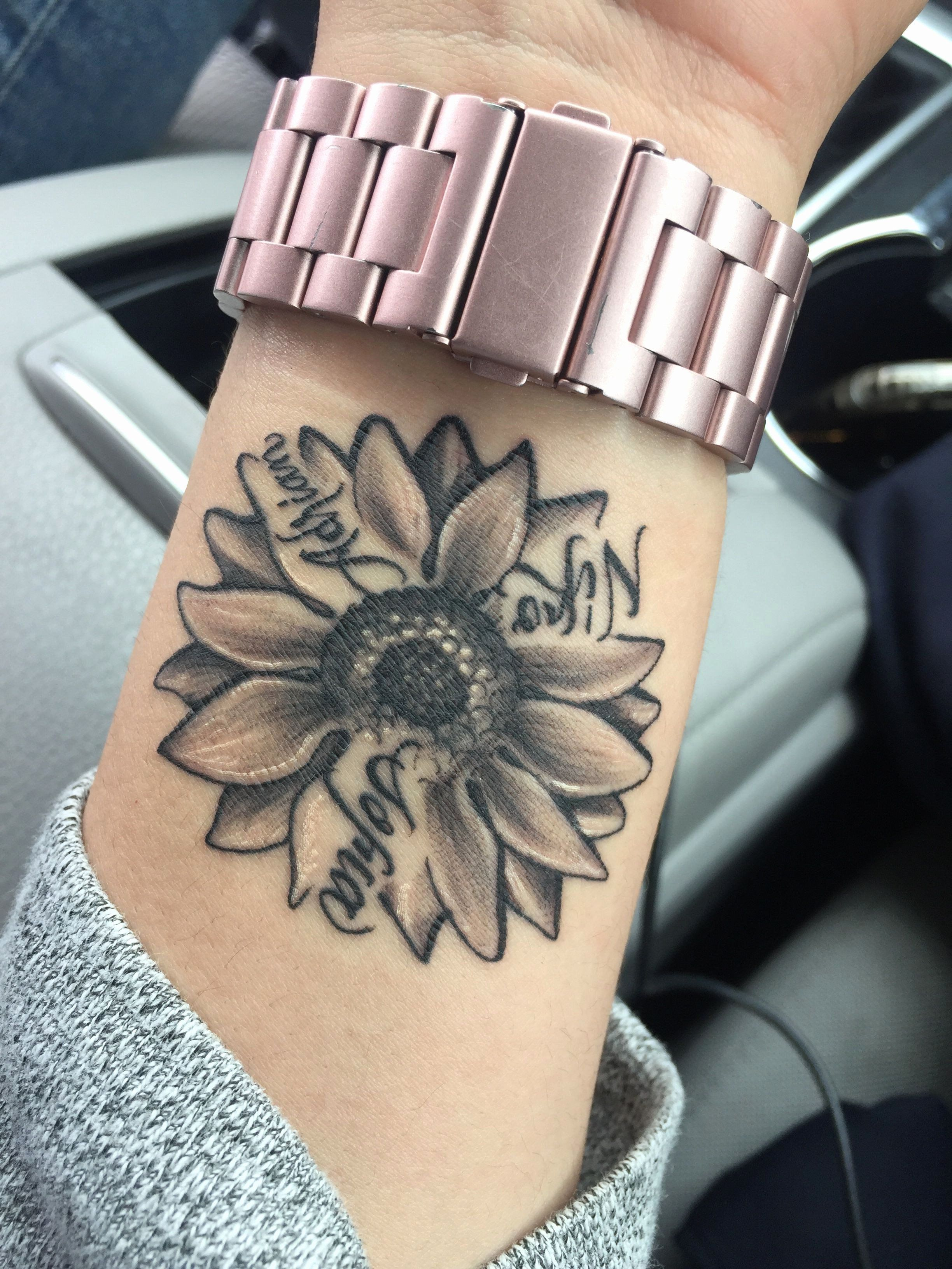 Unique Tattoos For Mothers With Children Unique Tattoos Children Mothers Tattoos Tatt In 2020 Tattoos For Daughters Tattoos For Kids Beautiful Small Tattoos