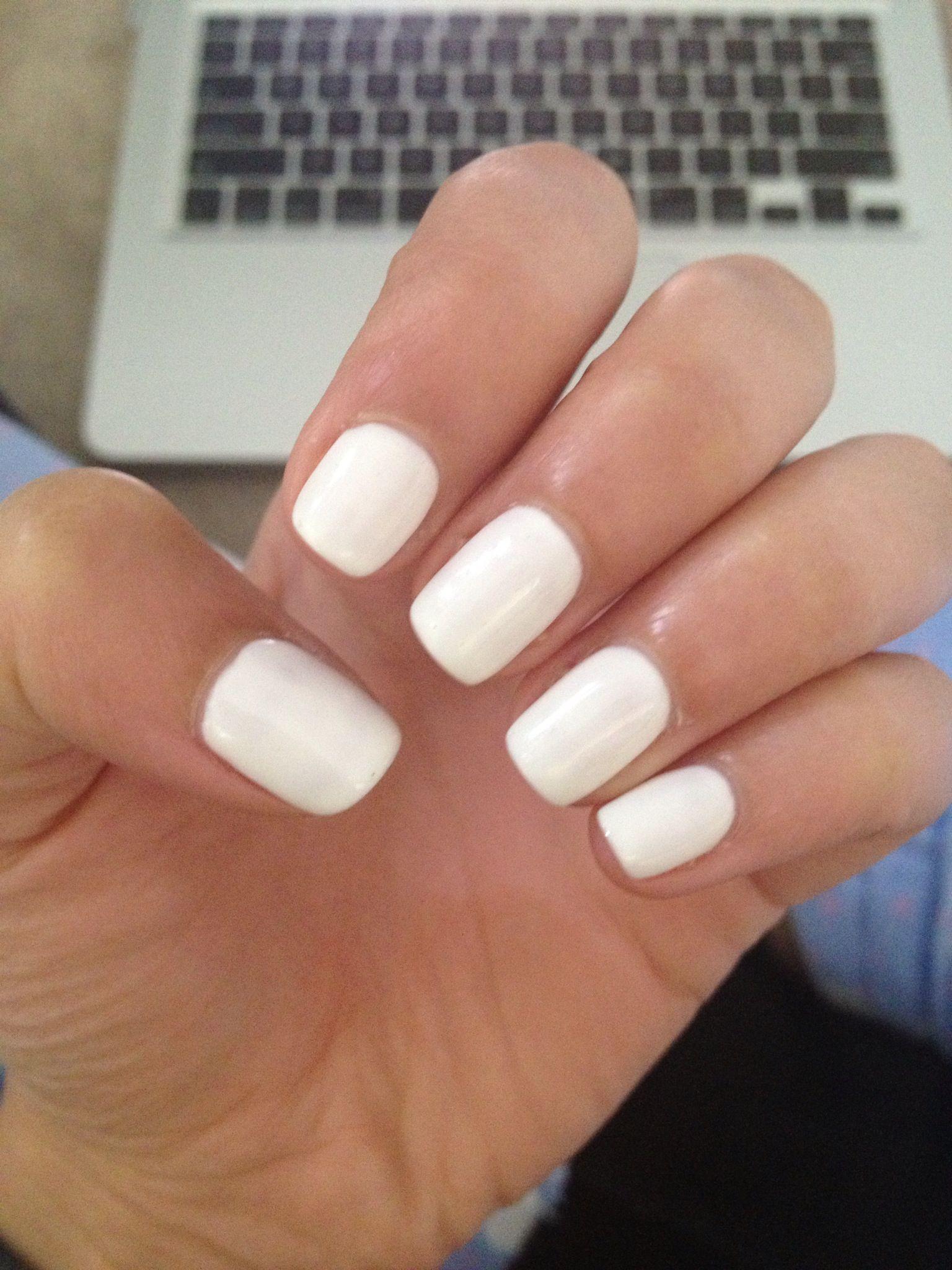 Shellac White Nails Nails By Me White Shellac Nails White Nails White Manicure