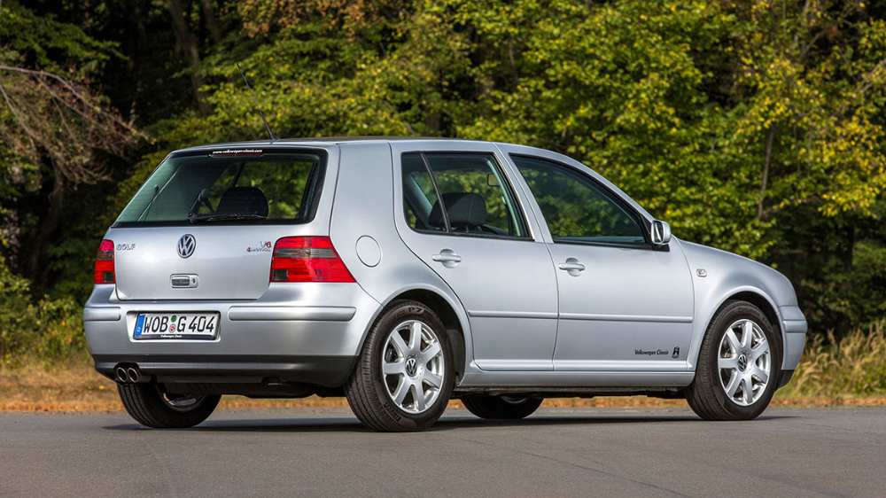 The History Of The Volkswagen Golf Carros Antigos Carros Golfinhos