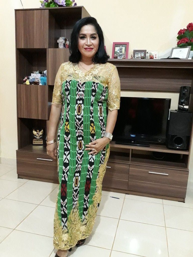 Tenun Sabu Ntt Kombinasi Brokat Gold Kain Tenun Ntt In 2019