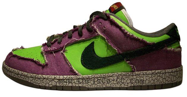 """Nike Dunk Low """"Incredible Hulk"""" Customs"""