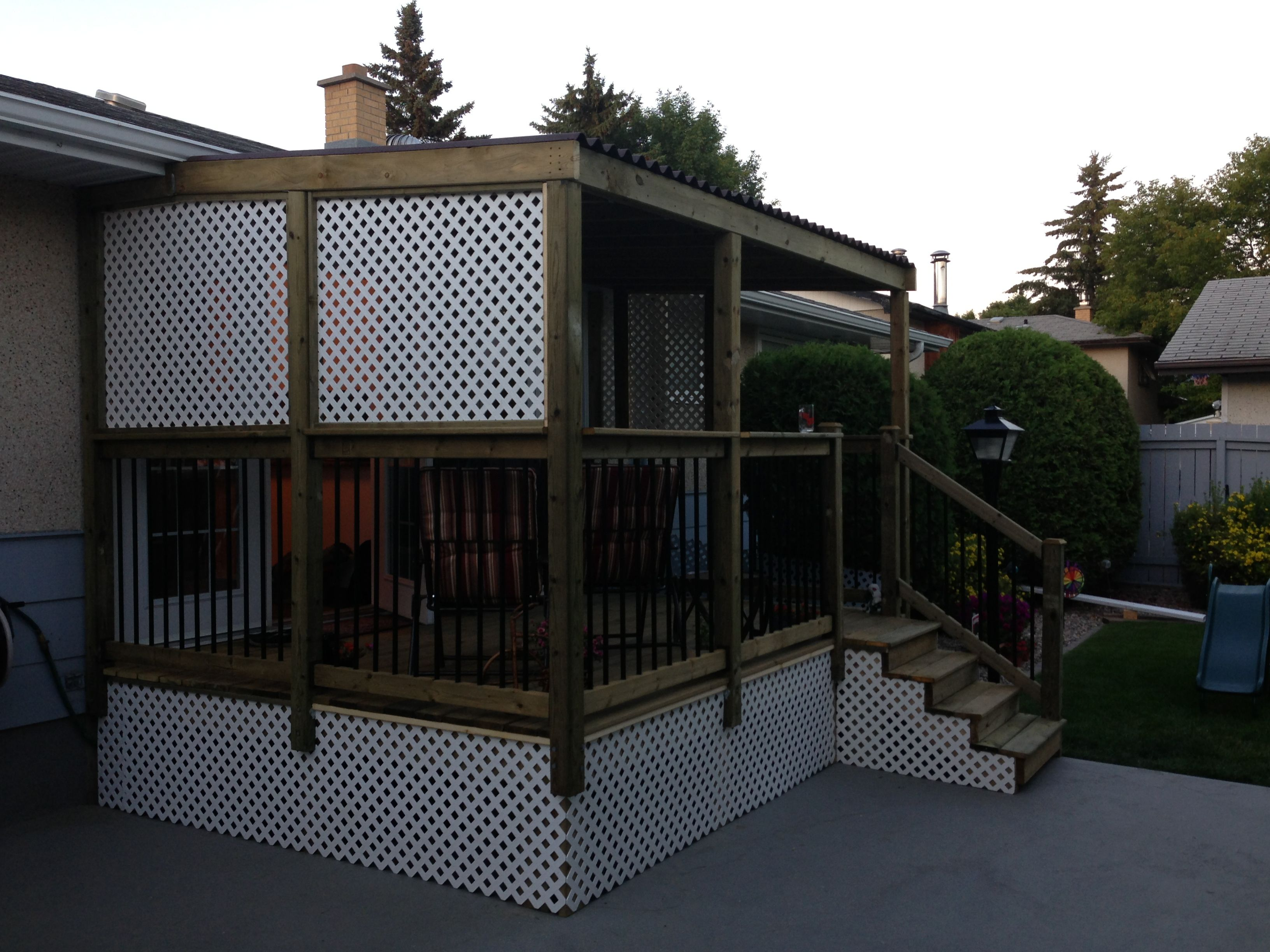 9x12 deck with roof and privacy lattice decks for Deck privacy ideas lattice