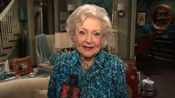Betty White headed to Washington to talk about love for animals, career