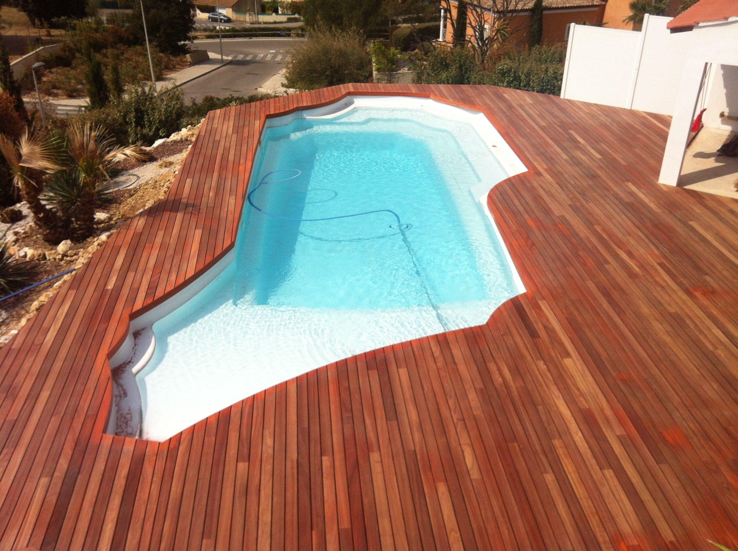 Am nagement de terrasse de piscine en bois exotique padouk visserie cach e av - Amenagement piscine en bois ...