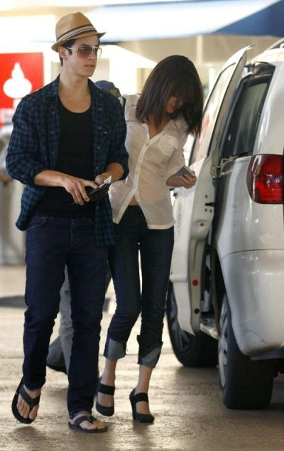 Are selena gomez and david henrie dating 2013