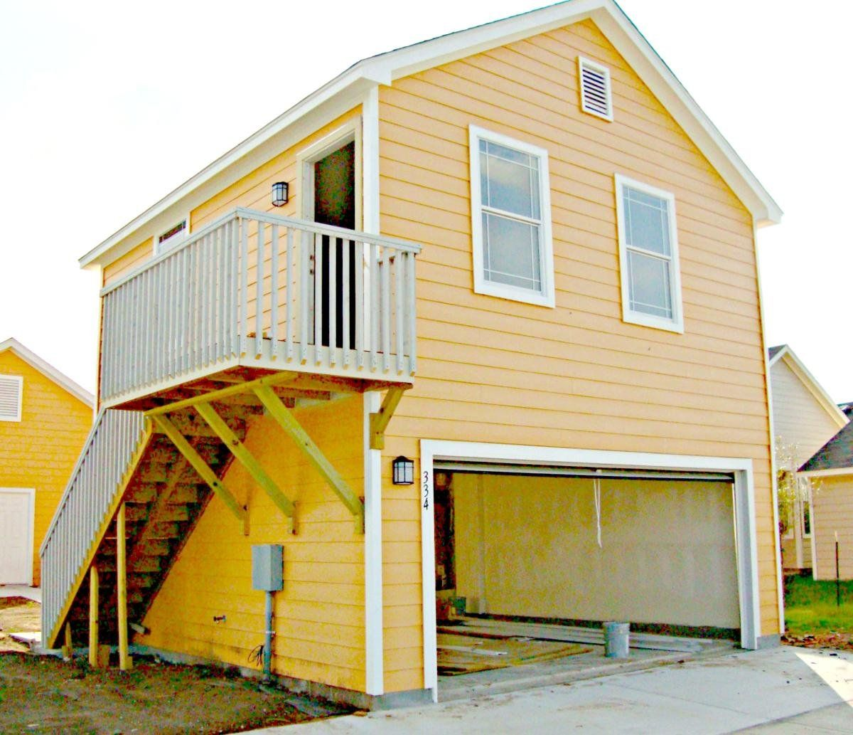 Garage Apartments For Rent Http Undhimmi Com Garage Apartments For Rent 2892 04 12 Html Renting A House Garage Apartments Apartments For Rent