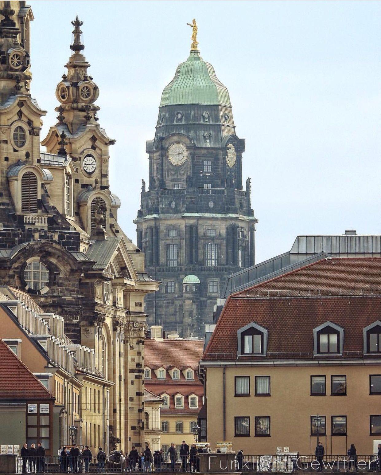 Blick Aufs Rathaus In Dresden Dresden Oberwiesenthal Rathaus