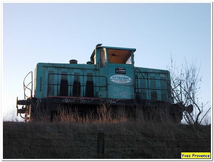 Mais non elle ne roule plus !!!  Vue à Gardanne, Bouches du Rhône.