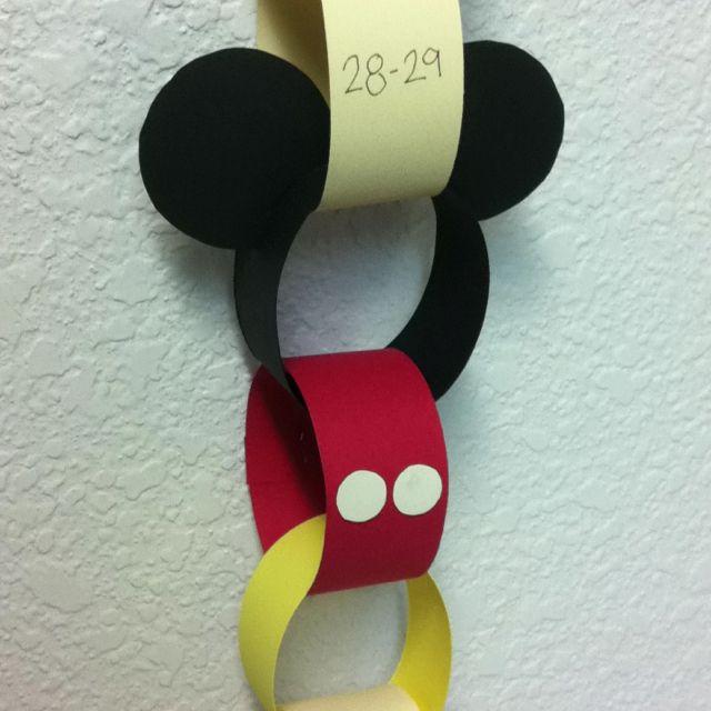 Mickey Mouse countdown chain! Love love love this idea!