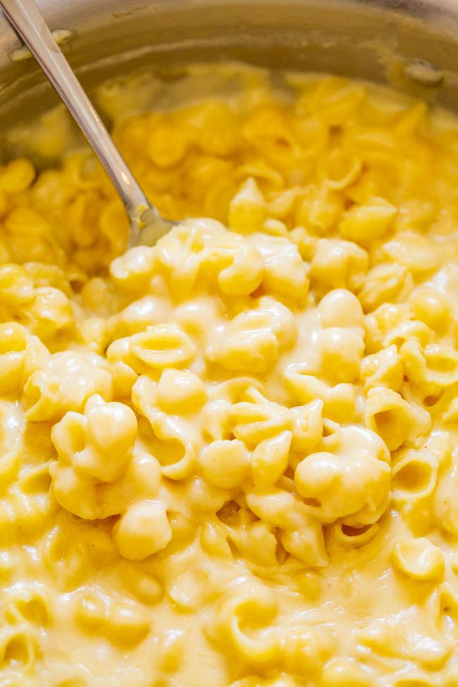 20-Minute Stovetop White Cheddar Mac and Cheese - Averie Cooks #macandcheeserecipe