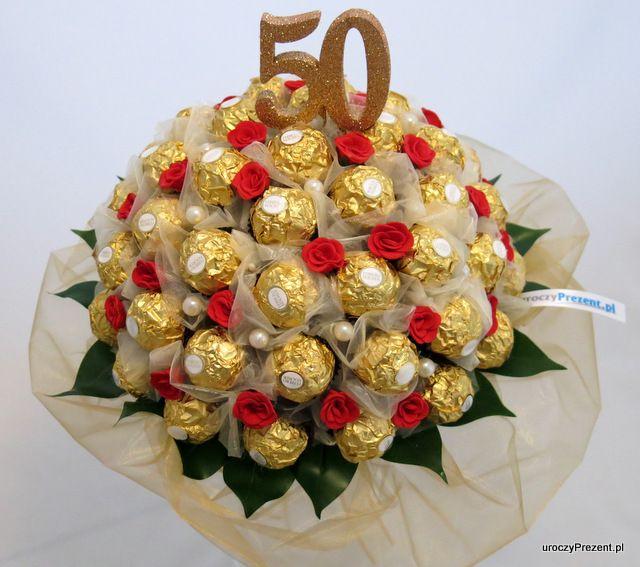 Prezent Na Zlote Gody Bukiet Z 50 Sztuk Ferrero Rocher Wiecej Pomyslow Na Www Uroczyprezent Pl Diy Christmas Gifts