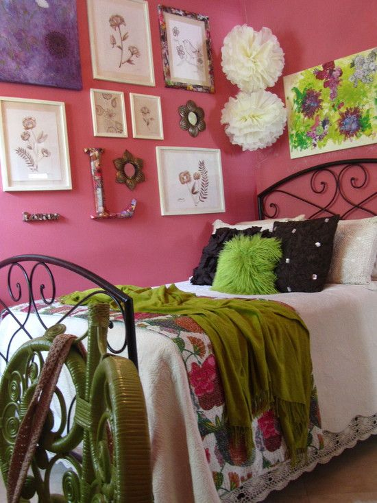 eclectic teen bedrooms design idea for nats collage wall