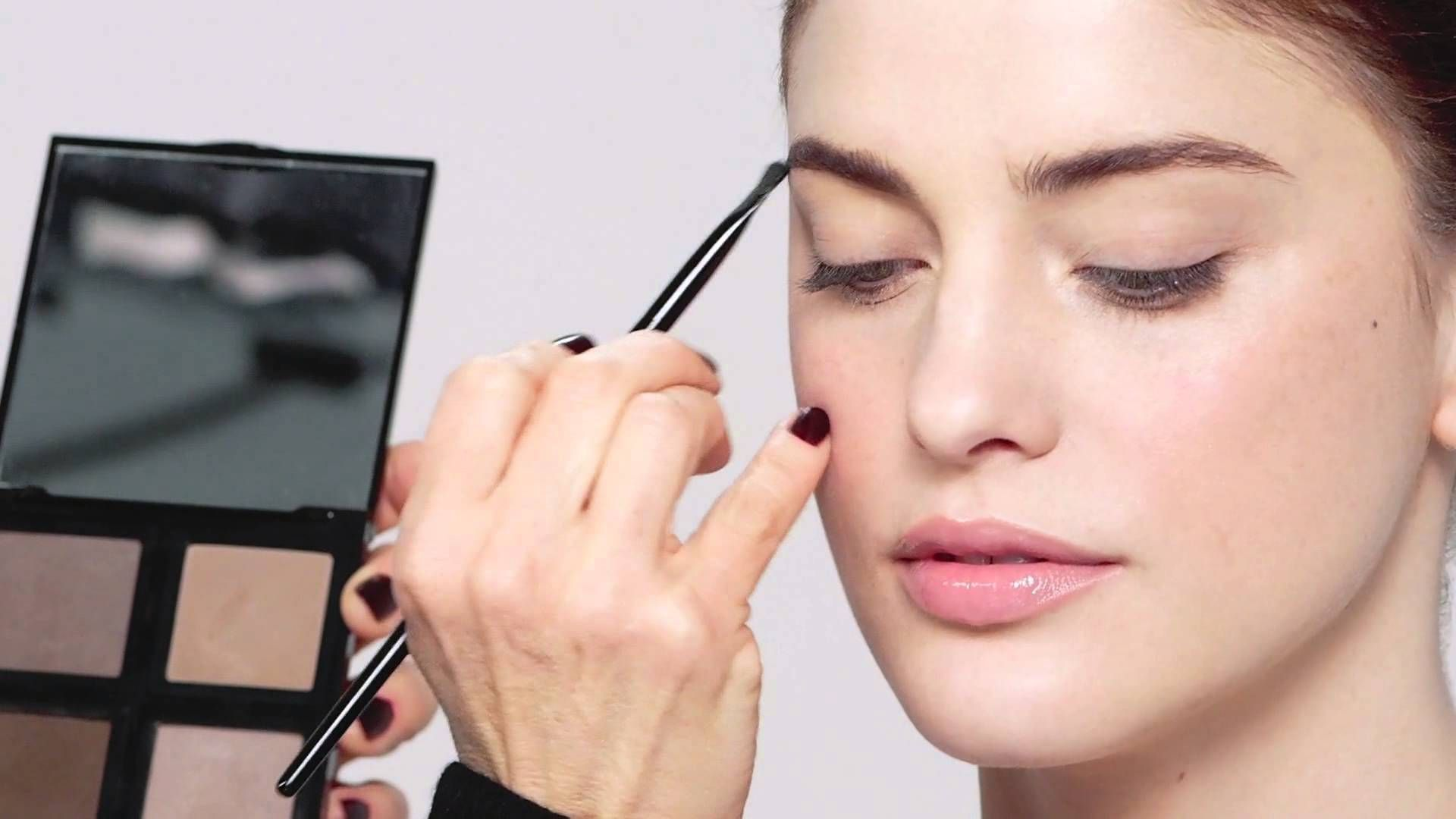 HowTo Ultimate Makeup Lesson In 10 Steps by Bobbi Brown