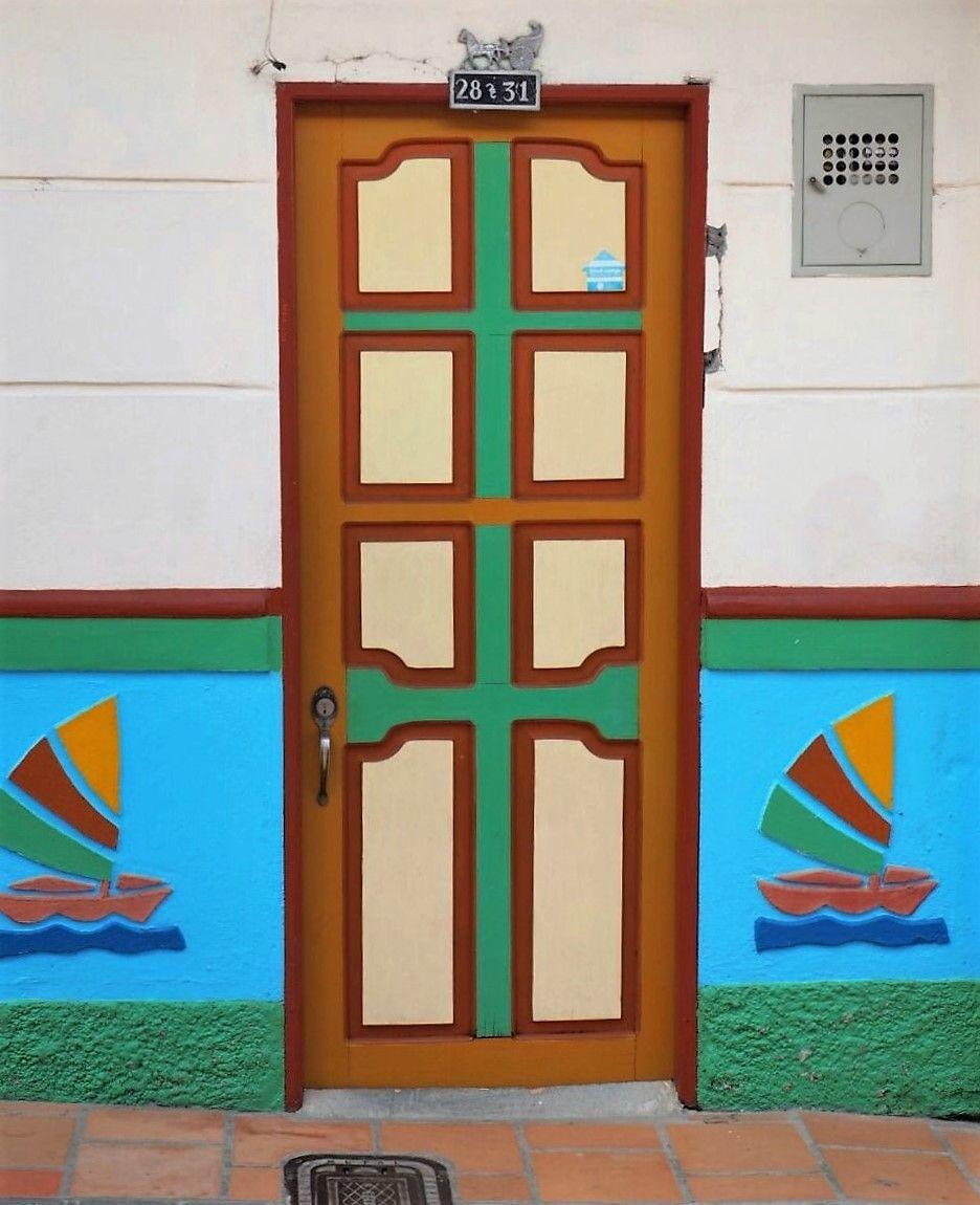 #kolumbien # haustür #farbenfroh