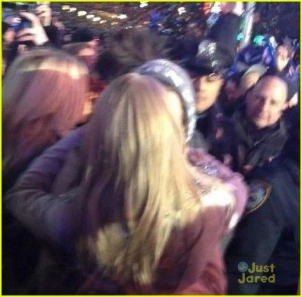 Harry Styles and Taylor Swift rang in the new year with a romantic kiss right at midnight in the middle of Times Square.  They started off 2013 celebrating for Taylor's performance at the huge event.  After her performance, Harry met up with his girl for the new year. They were hugging all throughout the 12strikes of the clock. When it struck midnight leaned in for a passionate, romantic kiss.  It's the first kiss that's been seen in public from the two! What a romantic way to ring in the…