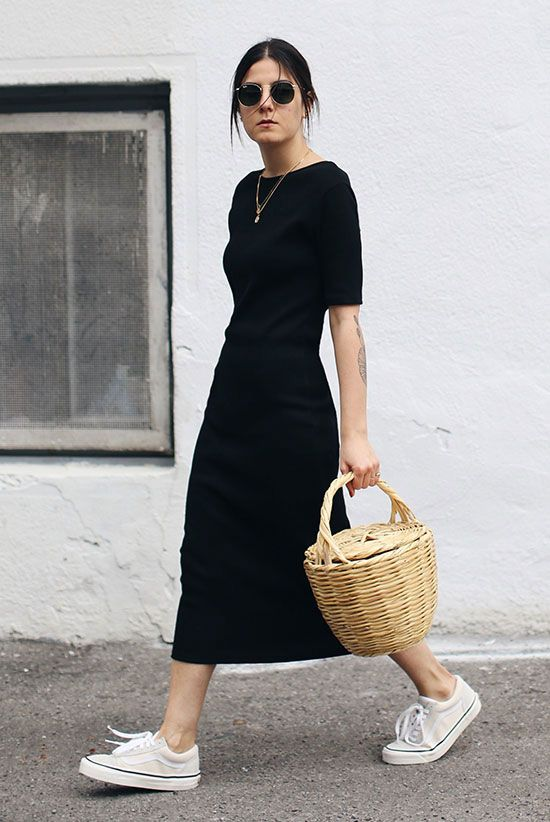 20 Simple Summer Outfits For The Minimal Girl